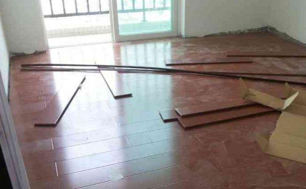 夏季装修铺地板注意事项 夏季铺地板缺陷