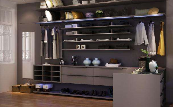 家居挂墙板式衣帽间如何选购 挂墙版式衣帽间保养与清洁技巧