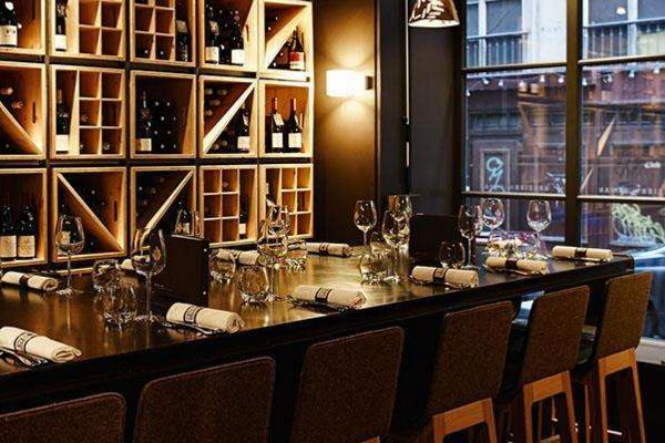有空间档次的酒吧应该如何设计 酒吧装修注意事项介绍