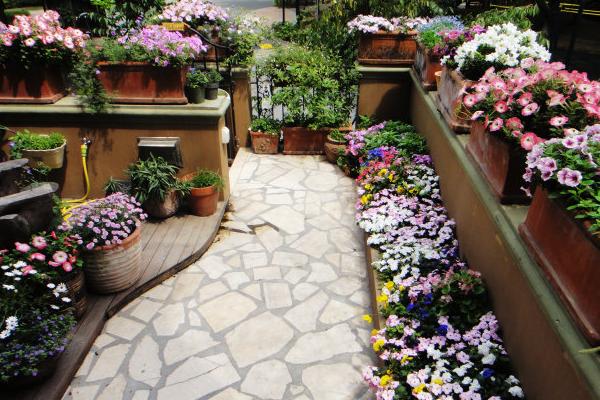 家庭阳台花园设计技巧有哪些 家庭阳台花园如何装修设计