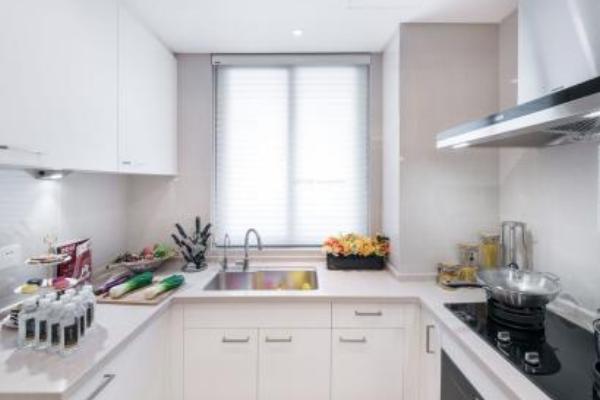 2019窄小厨房装修效果图 4款温馨窄小厨房装修案例