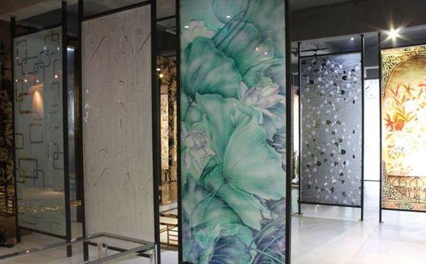 艺术玻璃隔断种类有哪些 艺术玻璃隔断有什么特点