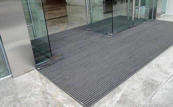 铝合金地垫的特点 铝合金地垫的清洗方法