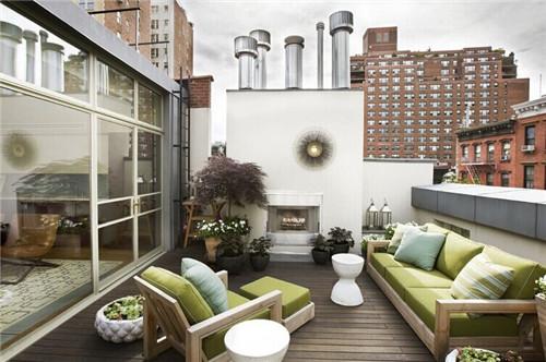 如果家庭顶层有一个小露台千万不要浪费了,顶层小露台装修设计