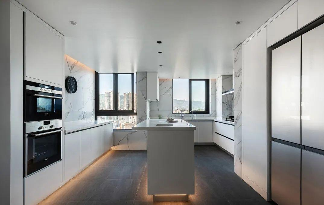 带柴火灶的现代厨房怎么设计 现代厨房设计技巧