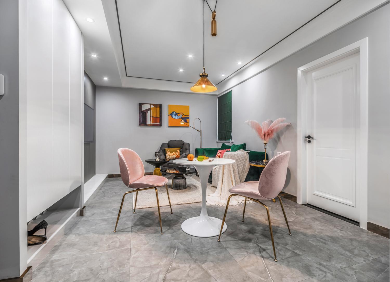 重慶恒大照母山68平兩居室的新銳混搭裝修設計