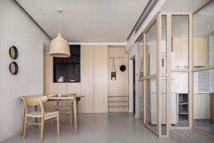 自然風的家,原木、白墻 通透玻璃,實用不單調