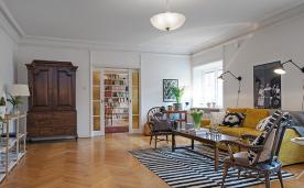 超大的北欧公寓装修 姜黄色的温暖家居装修效果图欣赏