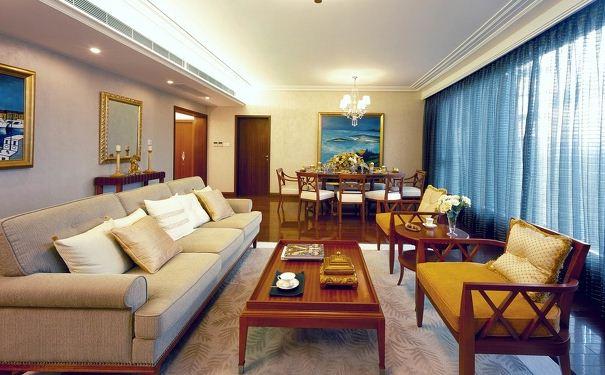 设计师梁志天以欧式和中式两种设计风格的混搭方式,将上海浦东