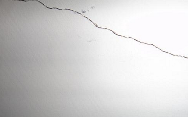 武汉室内装修新旧墙面交接为何会开裂 原因及处理方法