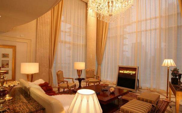 上海挂窗帘是有讲究的 室内窗帘装饰设计