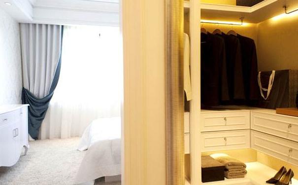 无锡小卧室带衣帽间怎么装修 小卧室带衣帽间装修技巧
