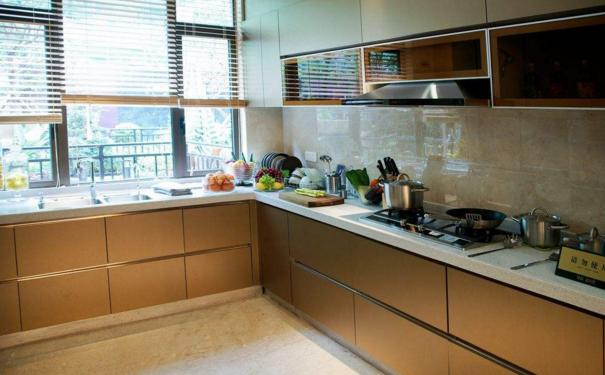 西安家庭厨房怎么装修 家庭厨房装修攻略