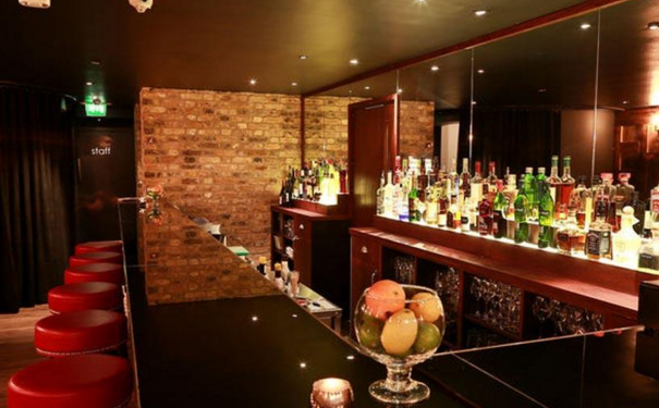贵阳酒吧墙面如何设计 酒吧墙面设计要点