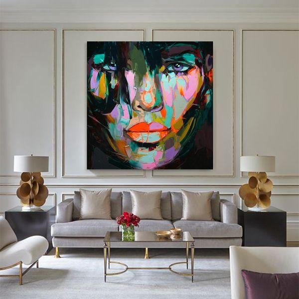 客厅可以装饰哪些主题的画 选择客厅装饰画的技巧