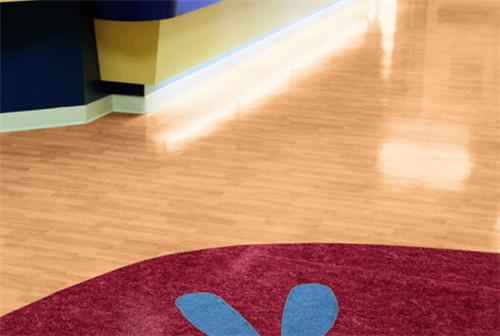 pvc地板的价格是多少 pvc地板和木地板哪个好