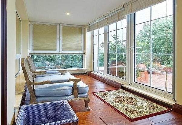 阳台改造成榻榻米床好不好?有什么优缺点?