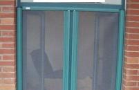 隐形纱窗的清洗妙招 快速又干净