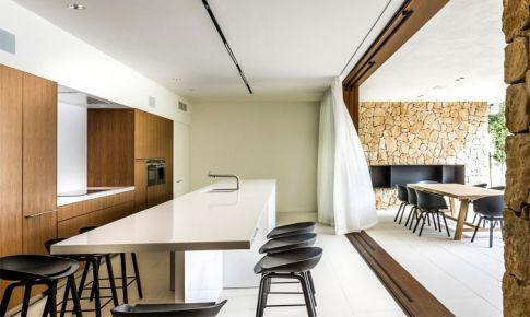 现代与原始结合的西班牙别墅