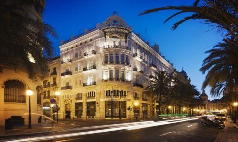 现代和古典结合的北欧风酒店