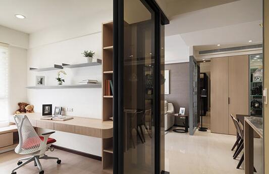 135平现代简约风格三居室 原木惬意生活