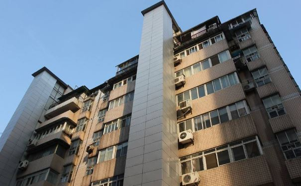 老小区加装电梯遇难题 看看杭州提出的解决方案