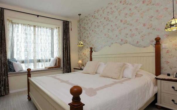 白色卧室窗帘如何搭配 白色卧室窗帘搭配欣赏