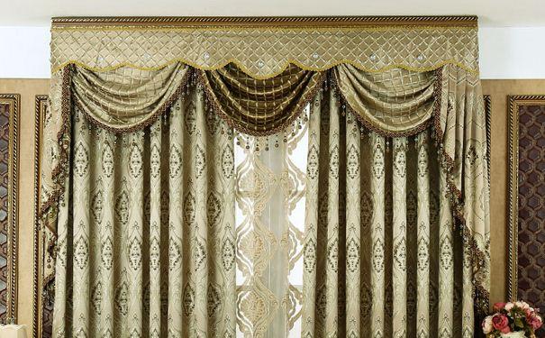 欧式窗帘颜色如何搭配 欧式窗帘的清洁与保养方法