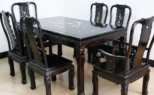 阴沉木家具如何鉴定 阴沉木家具的保养方法