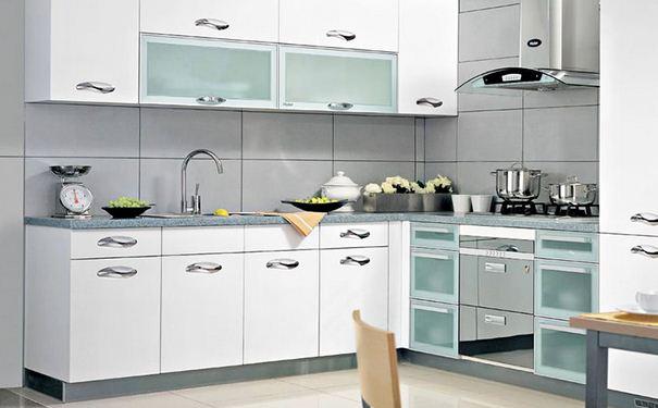 烤漆板橱柜的优缺点 烤漆板橱柜安装步骤