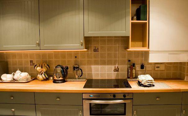 厨房厨具的摆放技巧 厨房厨具的摆放风水禁忌