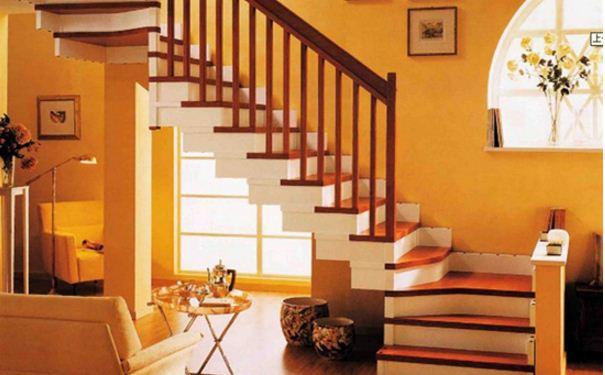 房屋楼梯是实木好还是石材好 房屋楼梯选择哪种材料好
