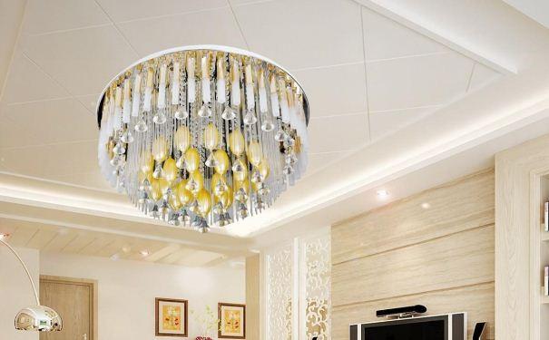 客厅水晶灯如何清洗 客厅水晶灯的清洗方法