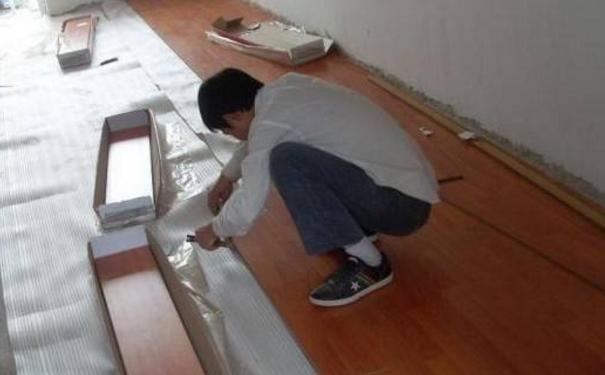 温州复合地板安装前期准备 温州复合地板铺设流程