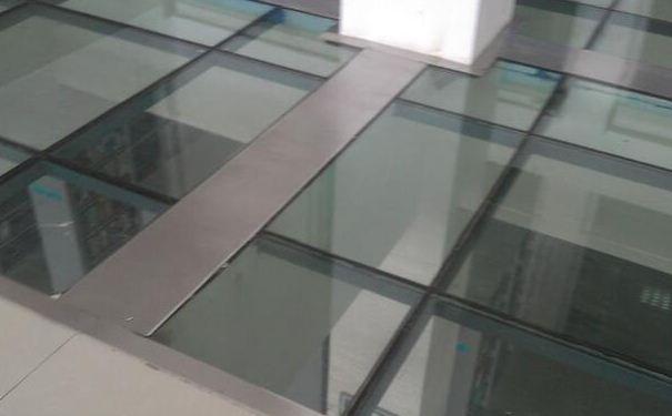 玻璃地板质量怎么样 玻璃地板的铺设技巧