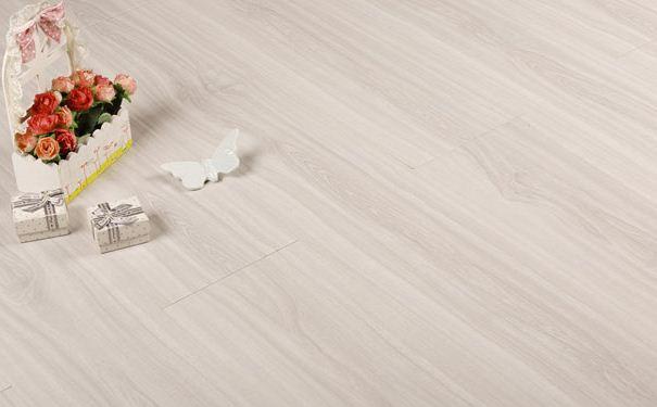 青花瓷地板质量怎么样 青花瓷地板有哪些特点
