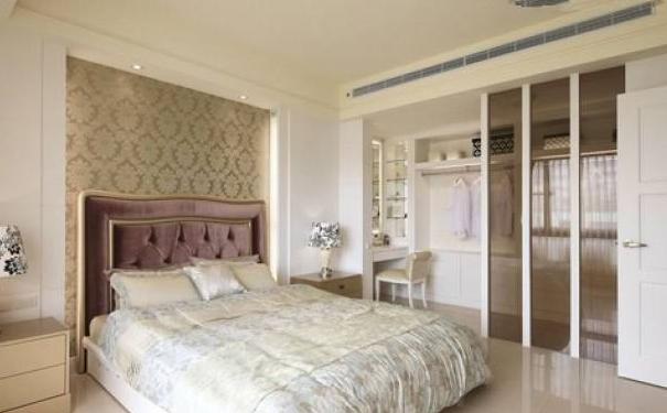 青岛卧室衣帽间怎么设计 卧室衣帽间设计技巧与注意事项