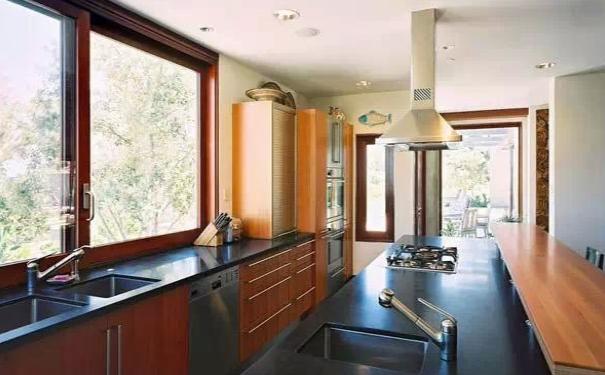 武汉家庭厨房如何装修 厨房装修效果图欣赏