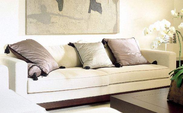 客厅沙发怎么搭配 客厅沙发搭配效果图