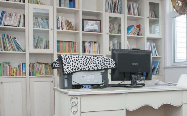 14平简欧书房设计要点 14平简欧书房装修技巧