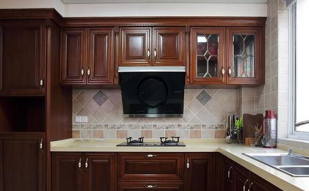 武汉实用小厨房如何装修 小厨房的实用装修设计