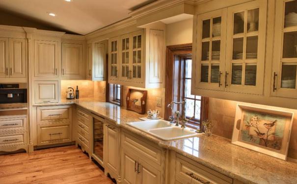 武汉别墅厨房怎么装修 别墅厨房的装修设计